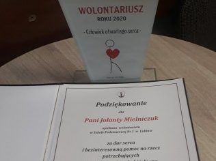 wyróżnienie otrzymała uczennica naszej szkoły Emilia Kot oraz opiekunka szkolnego wolontariatu pani Jolanta Mielniczuk