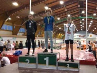 24 stycznia Borys Brzyski z klasy VIII b zajął 2 miejsce w skoku w dal